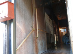 玄関口の手すり