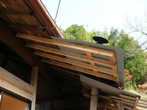 屋根を取り付ける