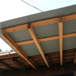 ある材料で屋根作り