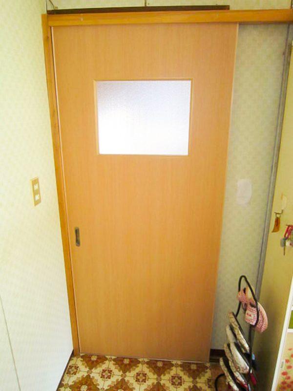 【扉取り替え】開き戸を引き戸へ変更|工事代金 40,000円